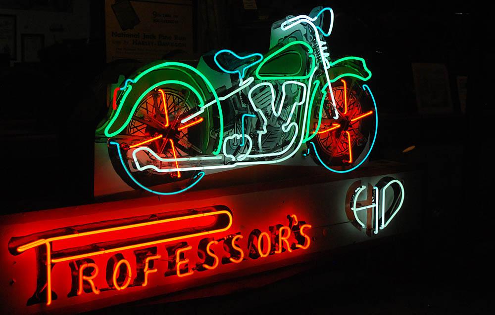 Neon Harley Davidson Sign